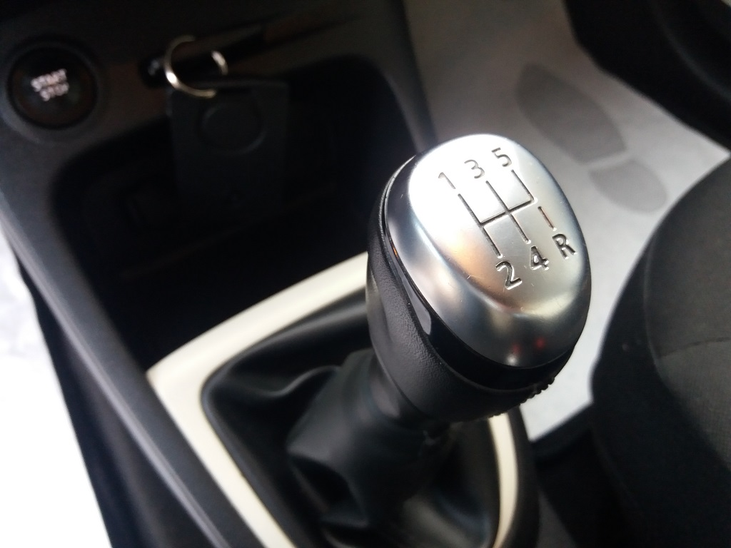 Renault Captur dCi 8v 90 cv S&S ZEN Energy (19)