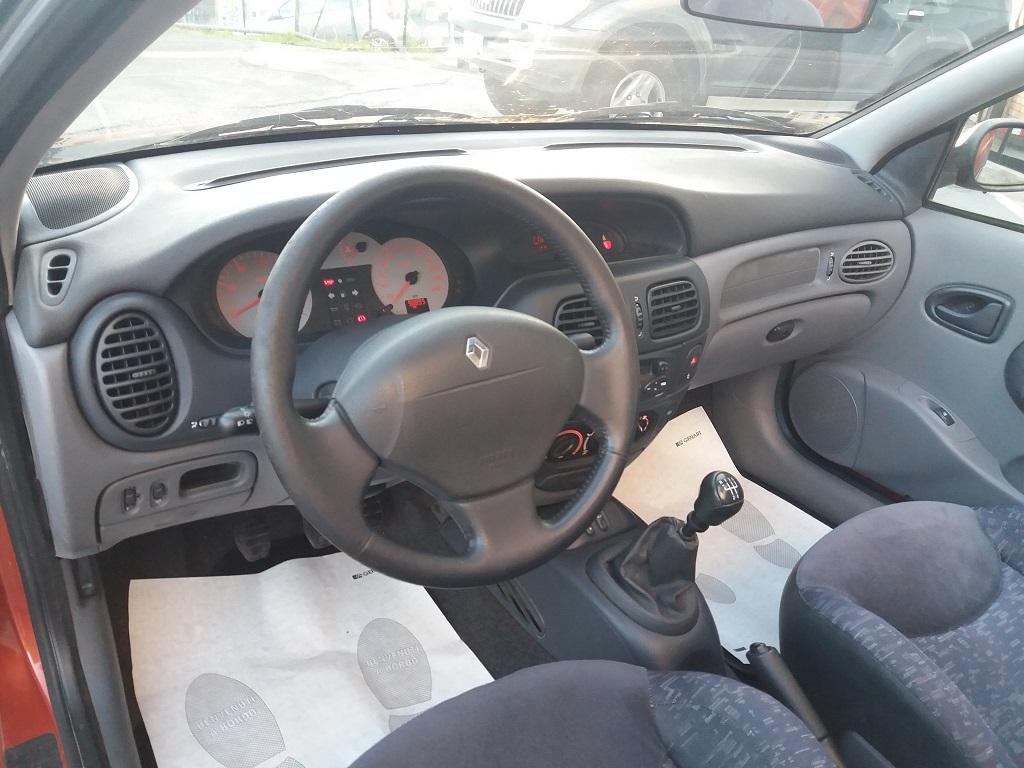Renault Mégane Cabriolet 1.4 16v cat Si (9)