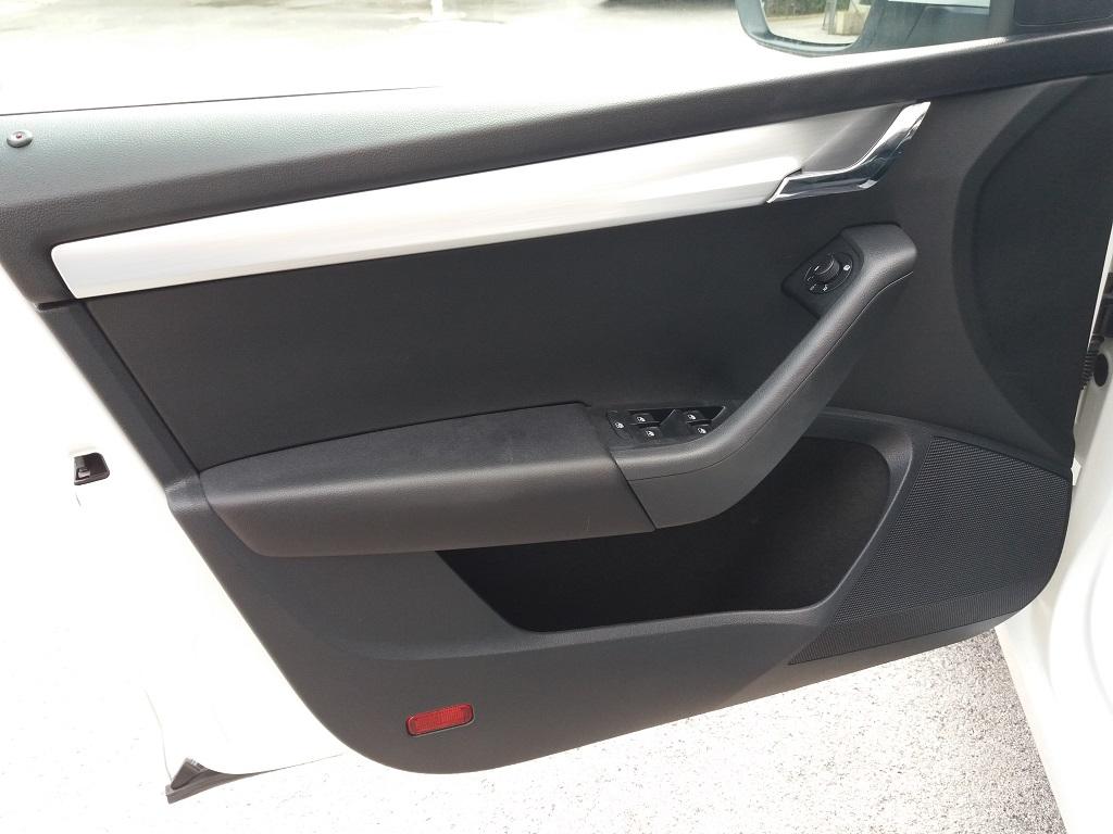 Skoda Octavia 1.0 TSI Wagon Executive (11)