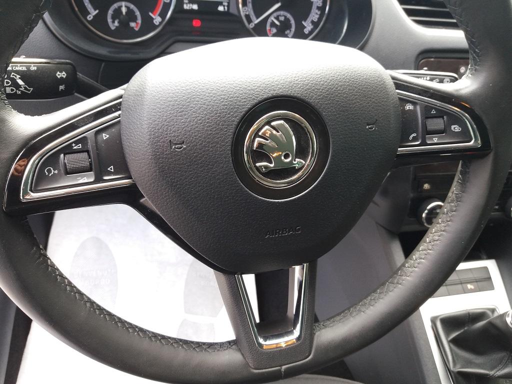 Skoda Octavia 1.0 TSI Wagon Executive (35)