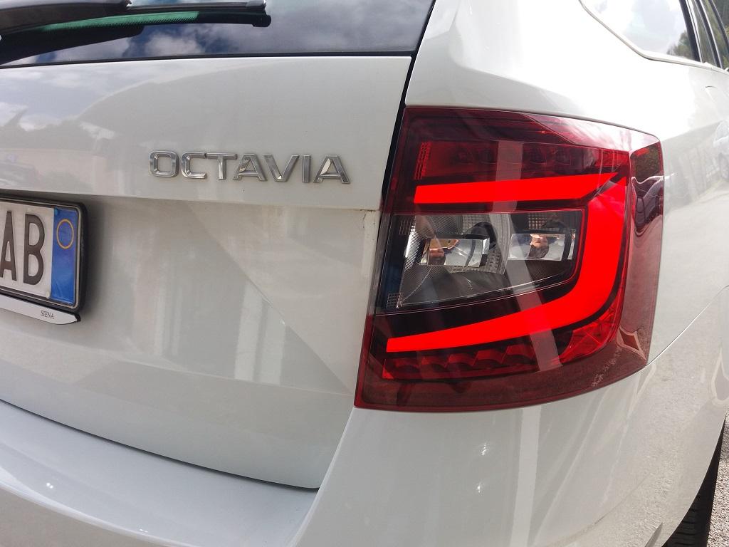Skoda Octavia 1.0 TSI Wagon Executive (37)