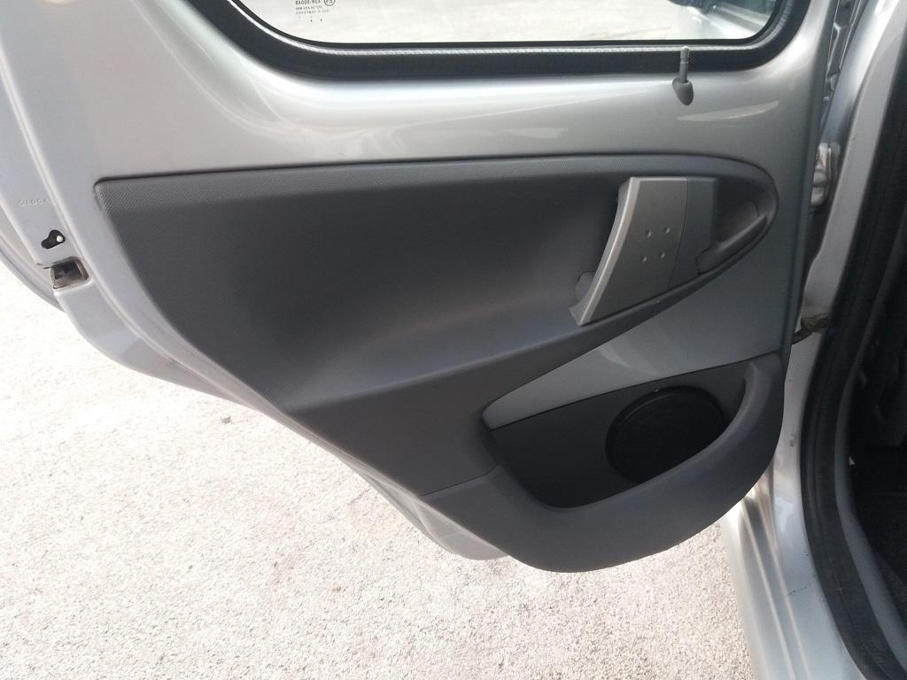 Toyota Aygo 1.4 Turbodiesel 5p Sol (16)