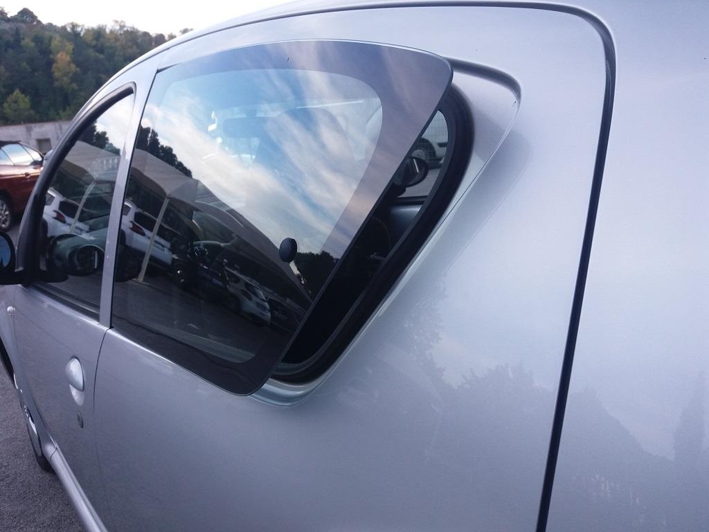 Toyota Aygo 1.4 Turbodiesel 5p Sol (18)