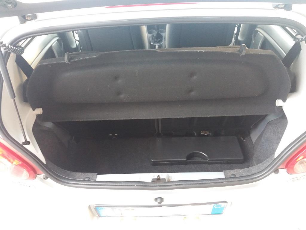 Toyota Aygo 1.4 Turbodiesel 5p Sol (19)