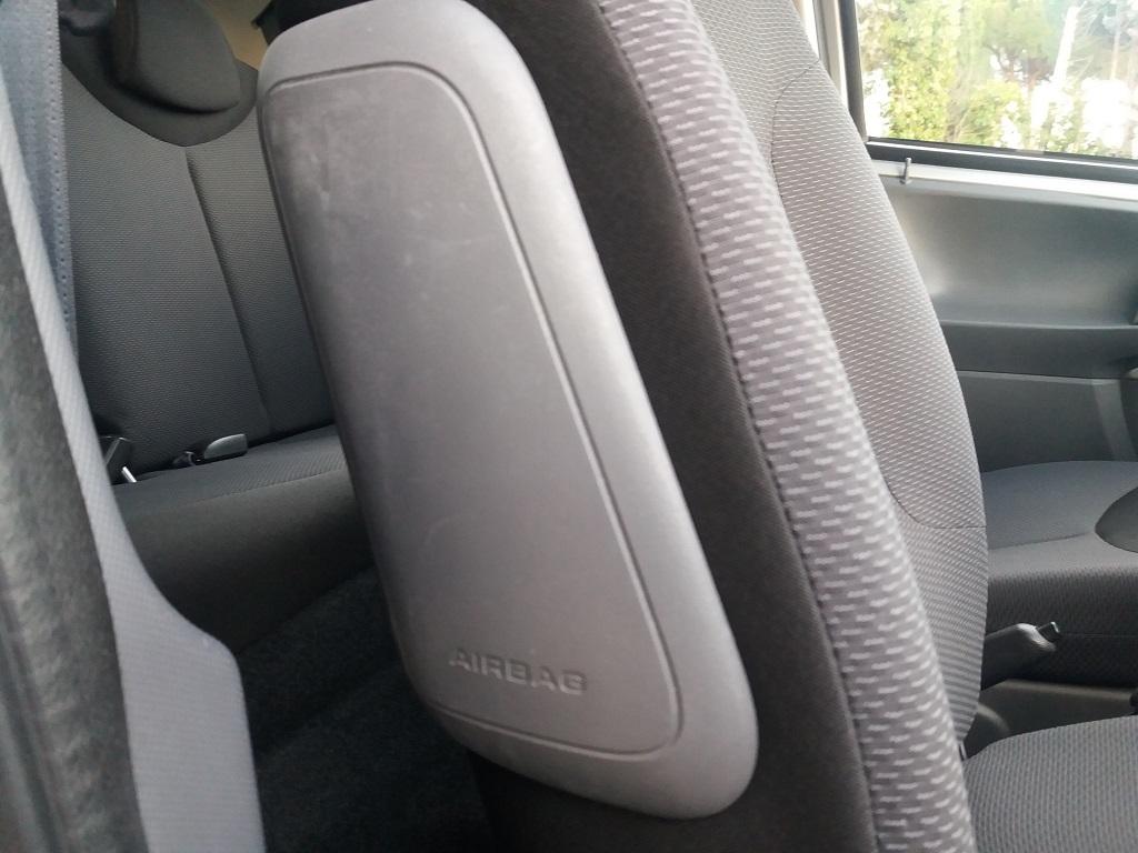 Toyota Aygo 1.4 Turbodiesel 5p Sol (31)