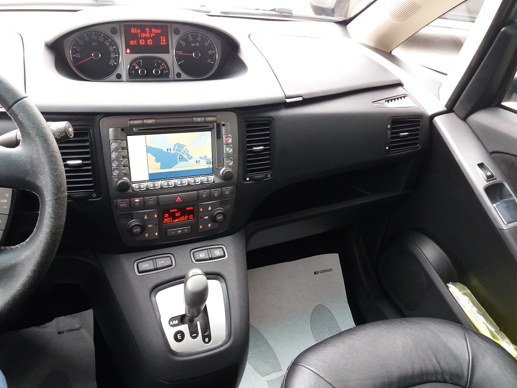Lancia Musa 1.3 Multijet 95 cv DFN Platinum (10)