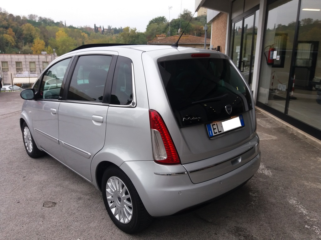 Lancia Musa 1.3 Multijet 95 cv DFN Platinum (3)
