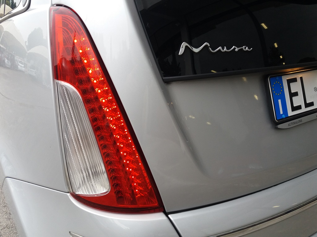 Lancia Musa 1.3 Multijet 95 cv DFN Platinum (30)
