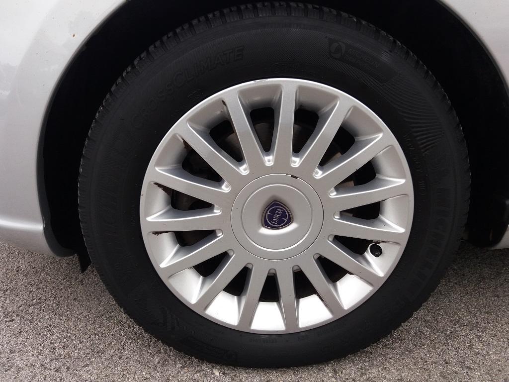 Lancia Musa 1.3 Multijet 95 cv DFN Platinum (32)