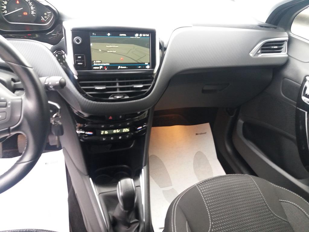 Peugeot 208 BlueHDi 100 5p Allure (10)