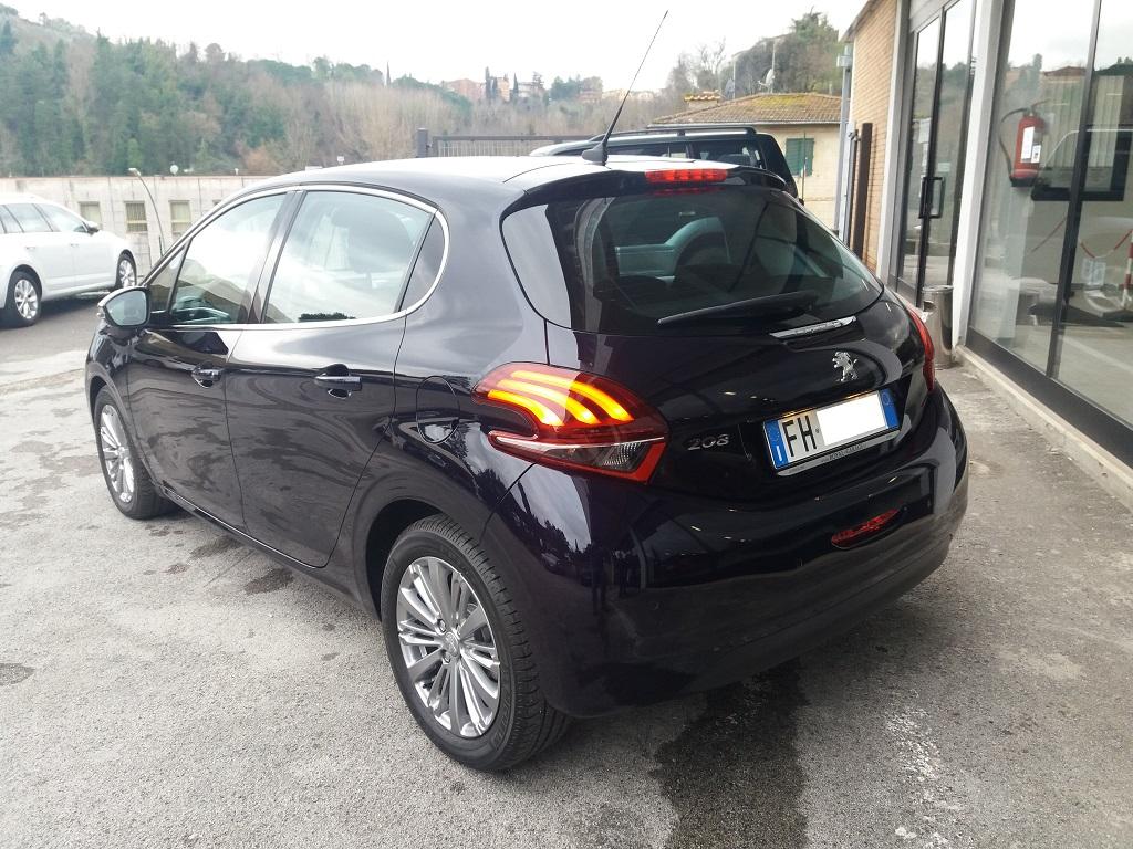 Peugeot 208 BlueHDi 100 5p Allure (3)