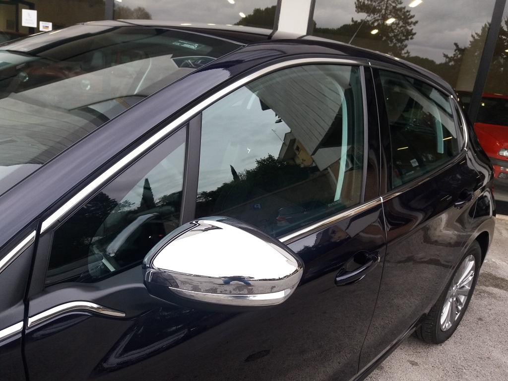 Peugeot 208 BlueHDi 100 5p Allure (31)