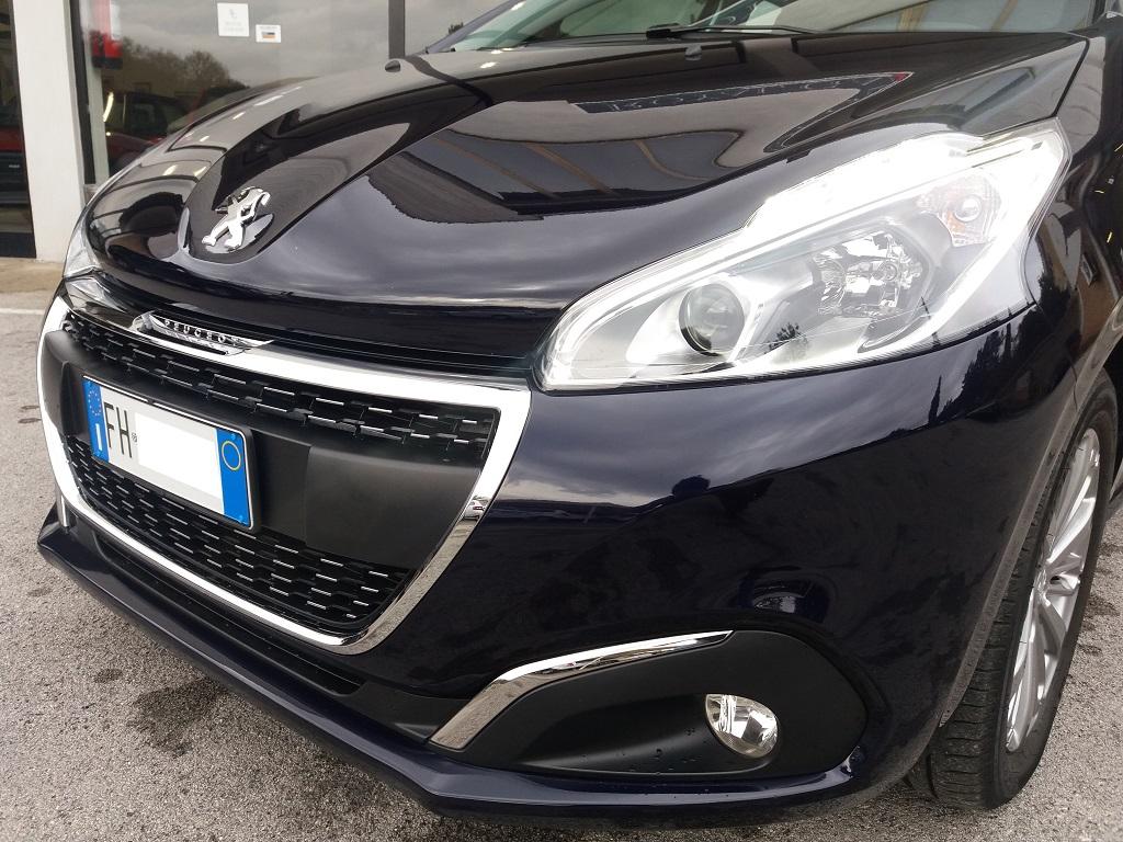 Peugeot 208 BlueHDi 100 5p Allure (32)
