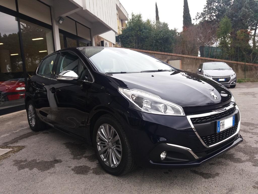 Peugeot 208 BlueHDi 100 5p Allure (7)
