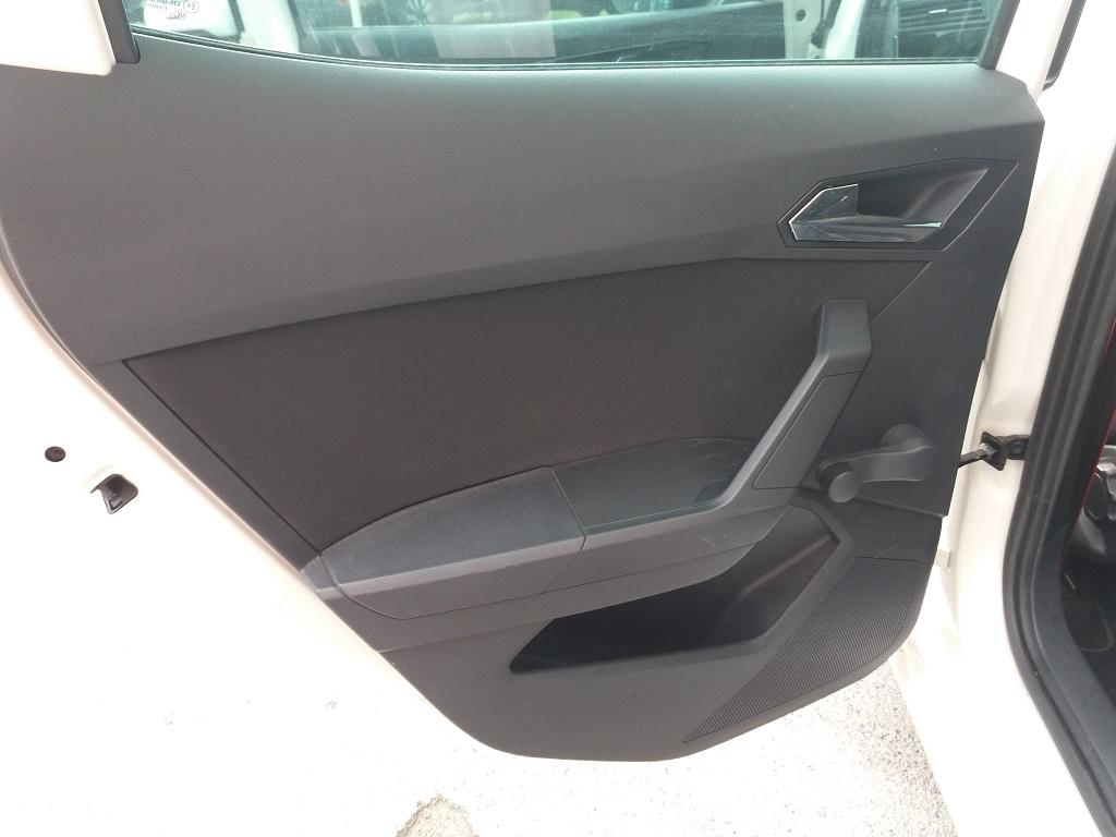 Seat Ibiza 1.0 EcoTSI 95 cv 5p FR (14)
