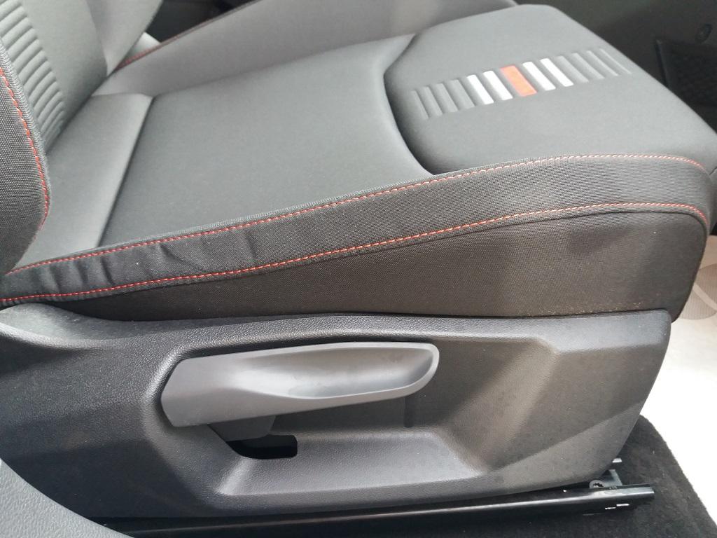 Seat Ibiza 1.0 EcoTSI 95 cv 5p FR (43)