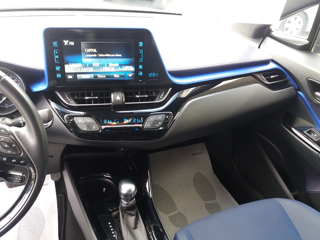 Toyota C-HR 1.8 Hybrid E-CVT Style (10)