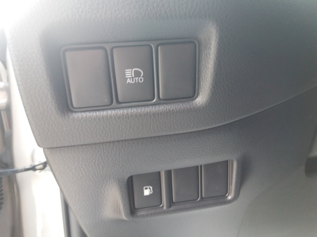 Toyota C-HR 1.8 Hybrid E-CVT Style (17)