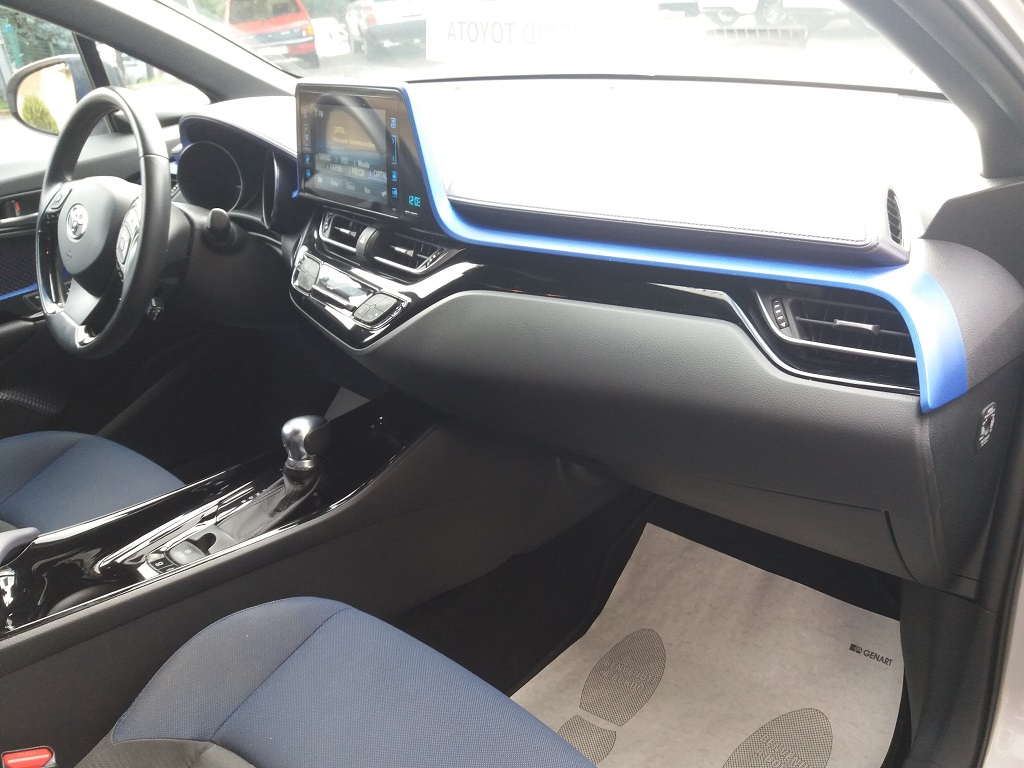 Toyota C-HR 1.8 Hybrid E-CVT Style (21)