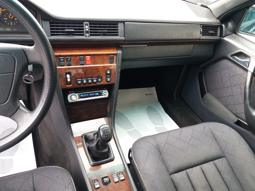 Mercedes-Benz E 200 cat Elegance (W124) (10)