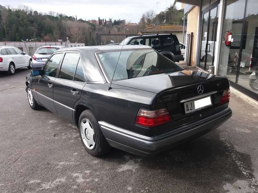 Mercedes-Benz E 200 cat Elegance (W124) (3)