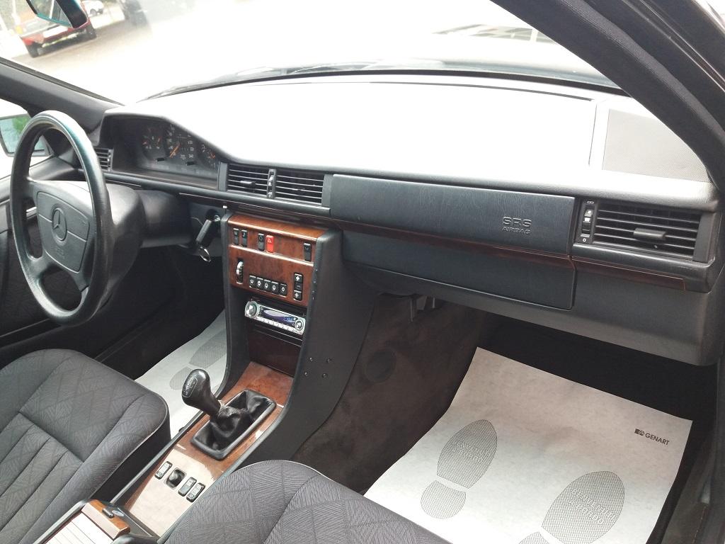 Mercedes-Benz E 200 cat Elegance (W124) (31)