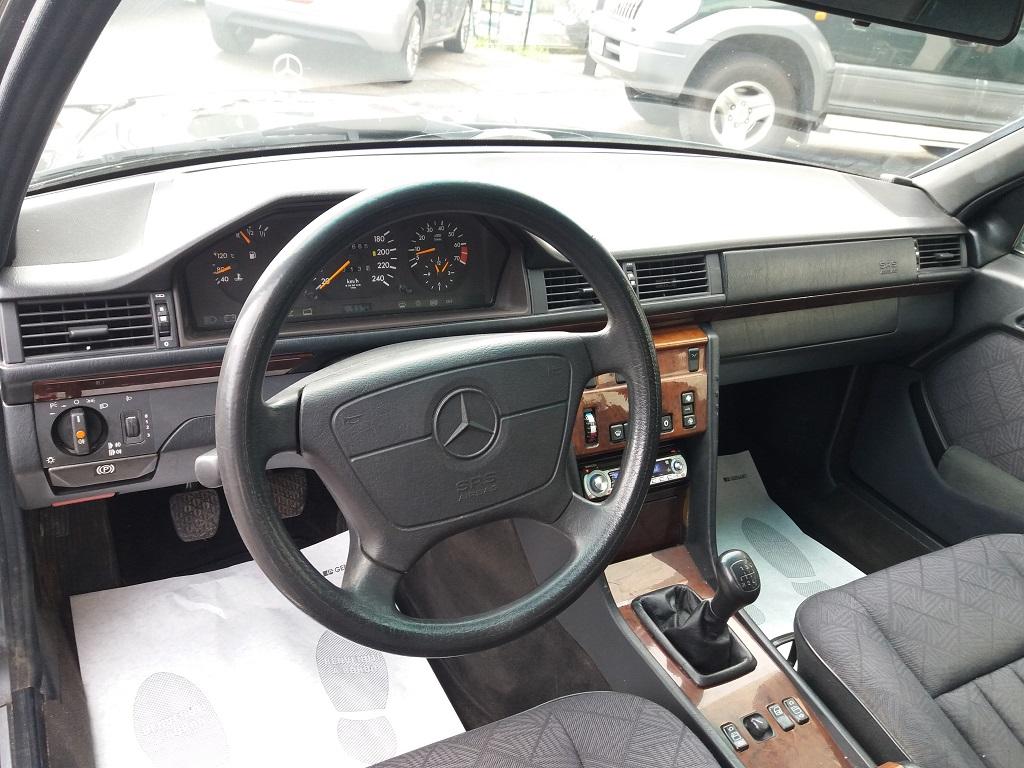 Mercedes-Benz E 200 cat Elegance (W124) (9)