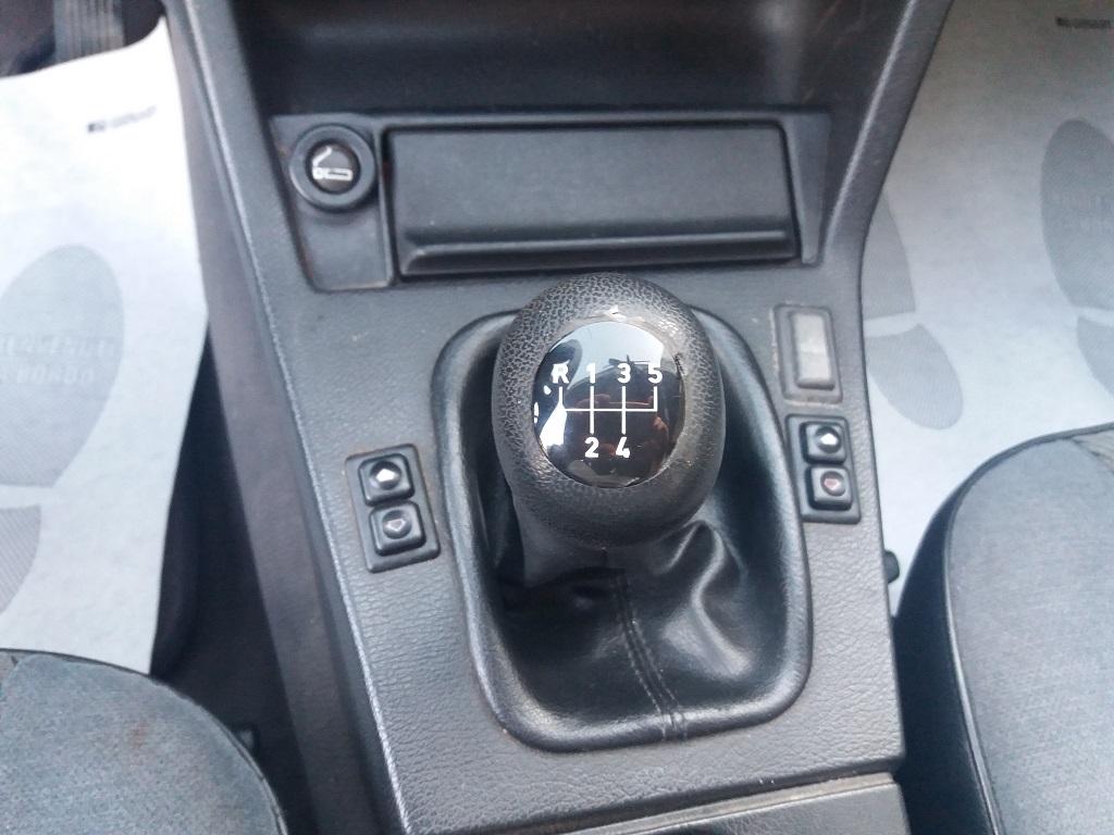 BMW 320i Touring E30 (12)