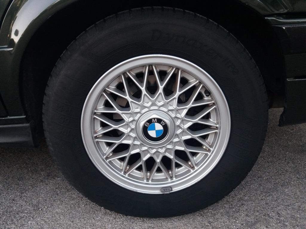 BMW 320i Touring E30 (20)