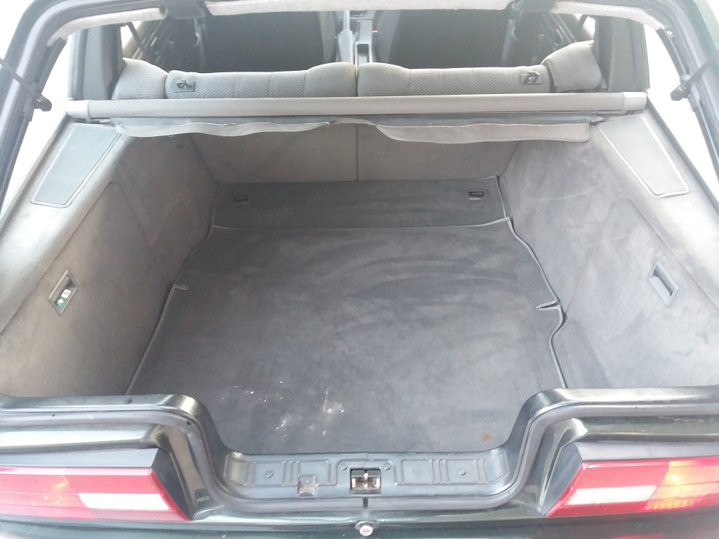 BMW 320i Touring E30 (27)