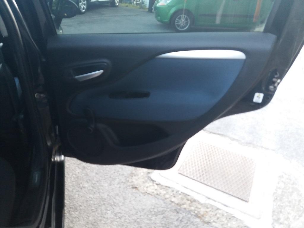 Fiat Punto Evo 1.3 MJT 95 cv DPF 5p S&S Dynamic (18)