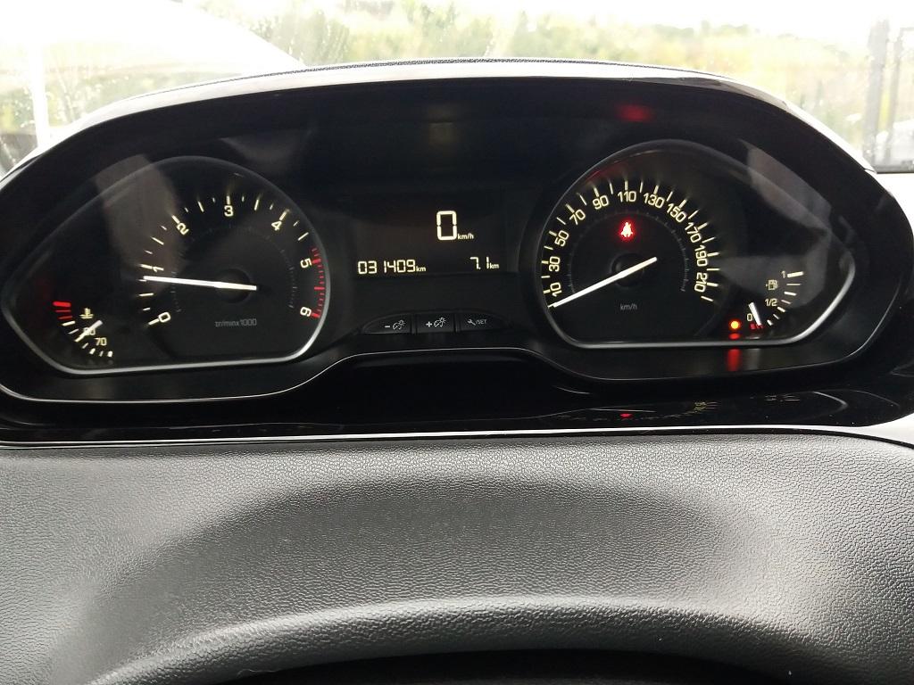 Peugeot 208 BlueHDi 100 S&S 5p Active (17)