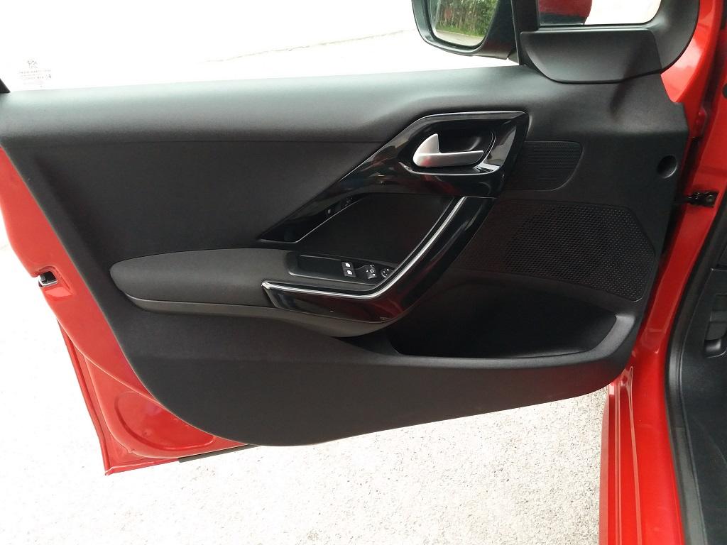 Peugeot 208 BlueHDi 100 S&S 5p Active (20)