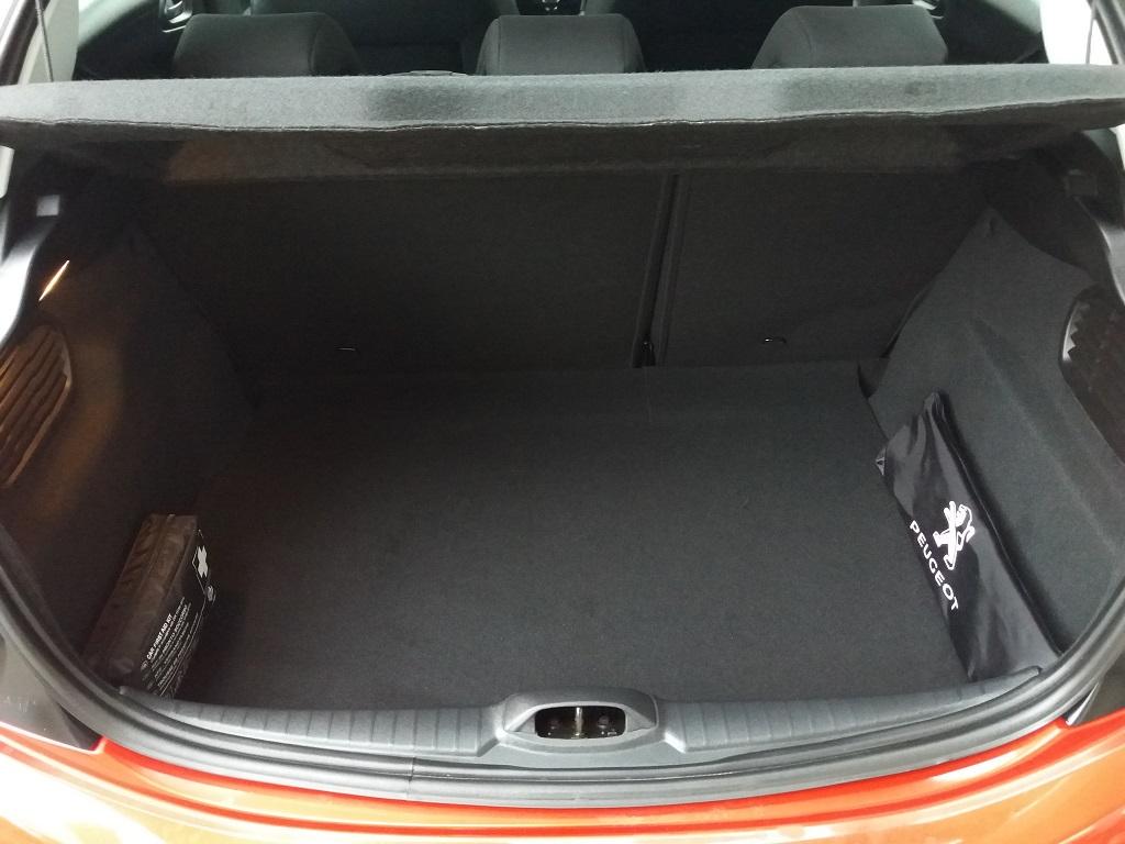 Peugeot 208 BlueHDi 100 S&S 5p Active (29)