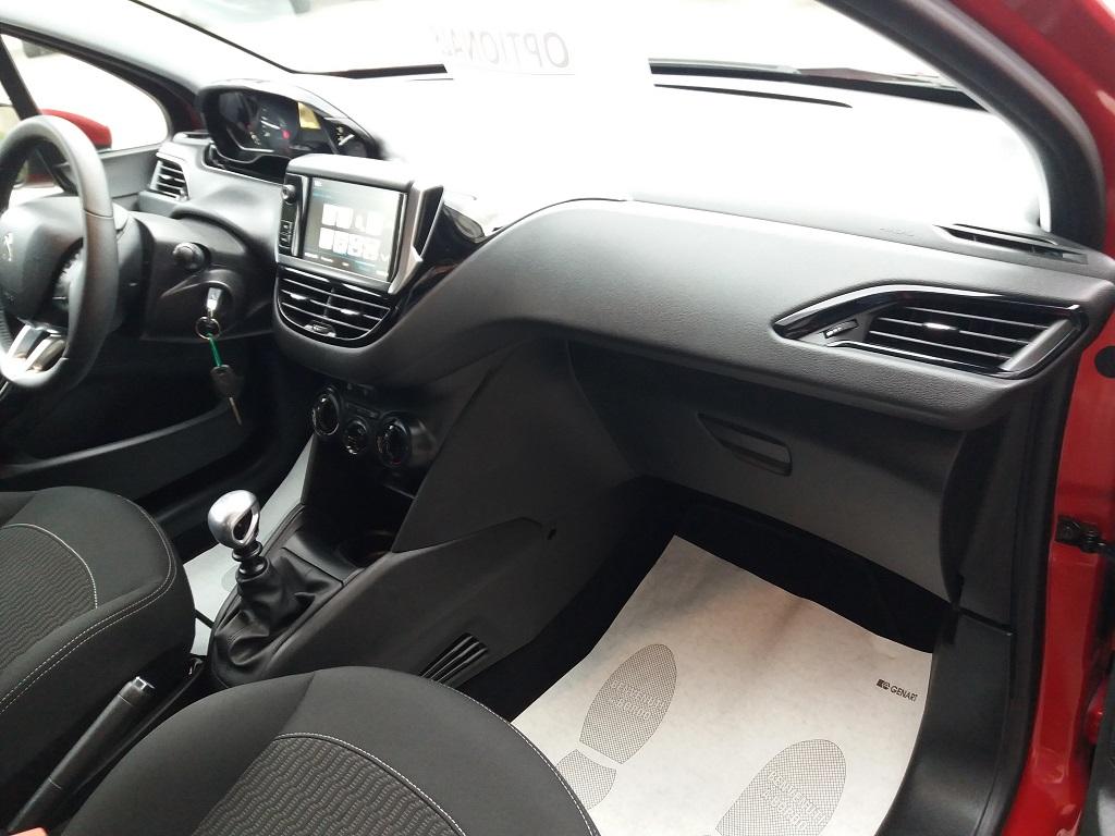 Peugeot 208 BlueHDi 100 S&S 5p Active (31)