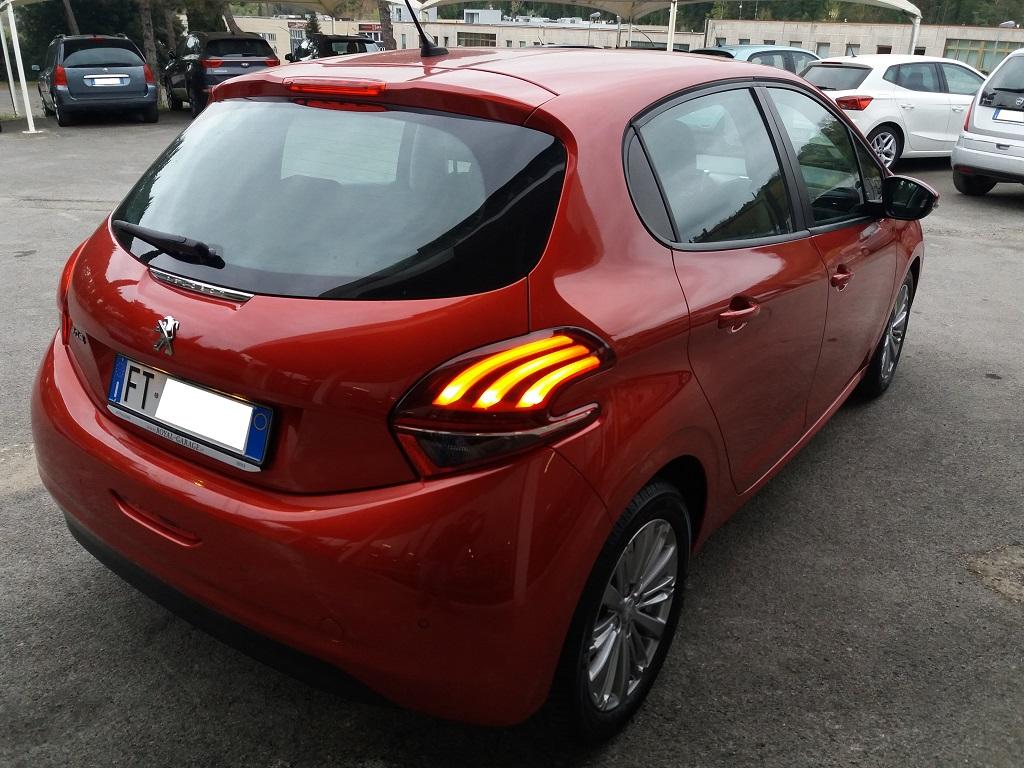 Peugeot 208 BlueHDi 100 S&S 5p Active (8)