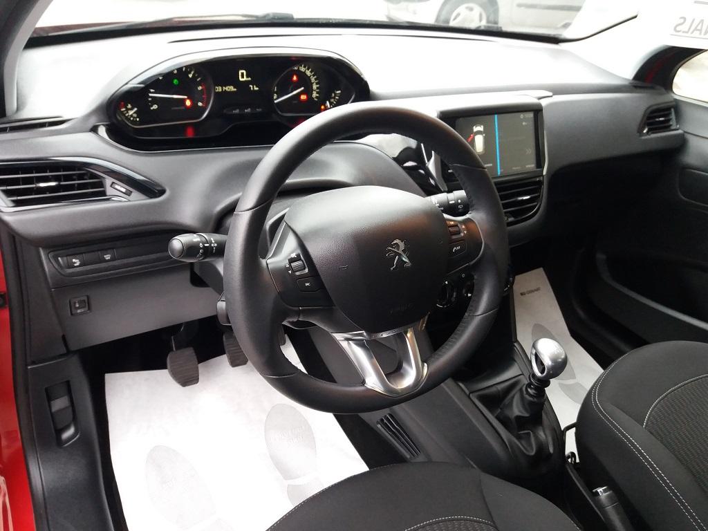 Peugeot 208 BlueHDi 100 S&S 5p Active (9)