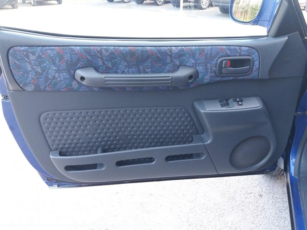 Toyota RAV4 2.0i 16v cat 3p Fun (16)