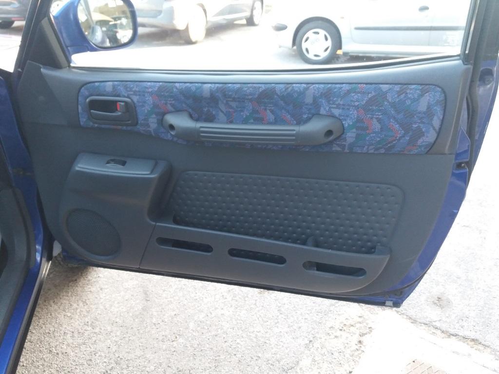 Toyota RAV4 2.0i 16v cat 3p Fun (30)