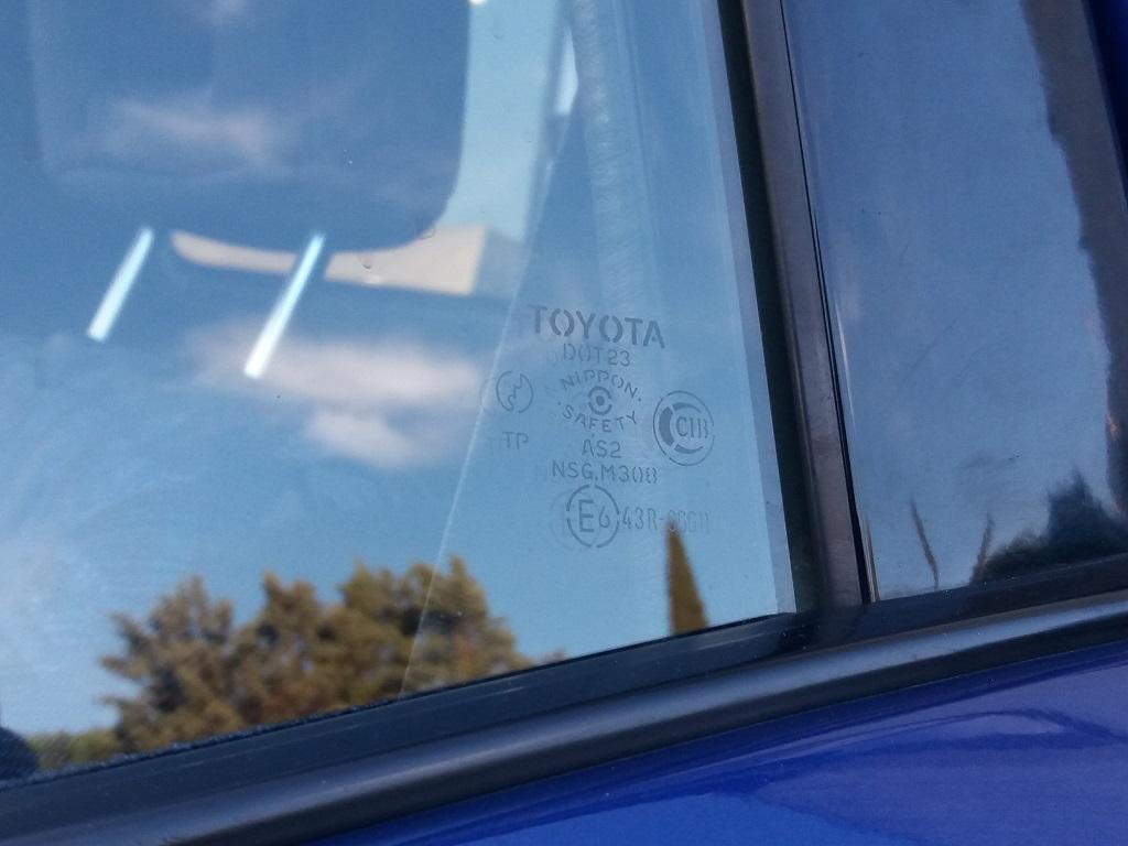 Toyota RAV4 2.0i 16v cat 3p Fun (67)