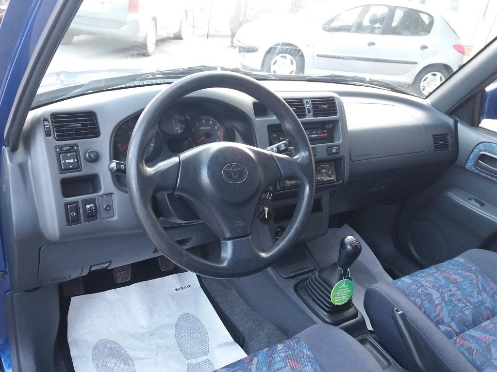 Toyota RAV4 2.0i 16v cat 3p Fun (9)