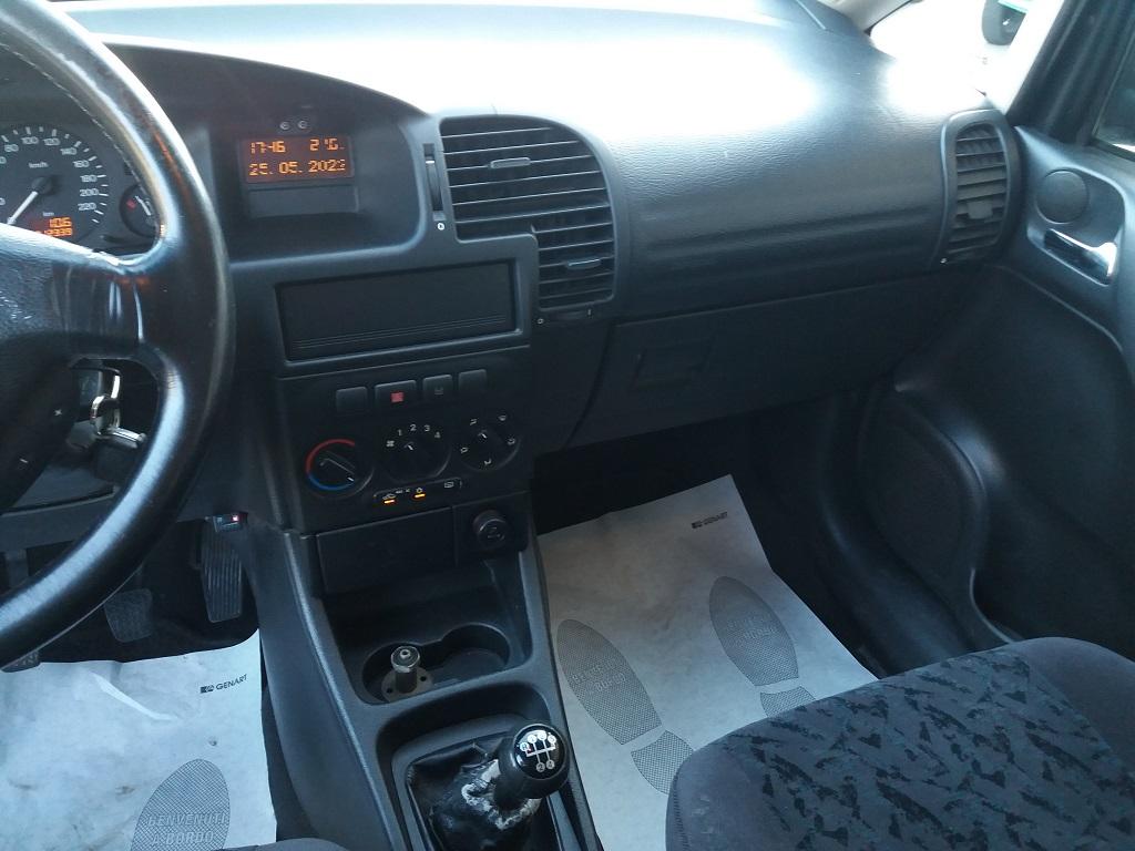 Opel Zafira 1.8 16v cat CDX GPL (10)