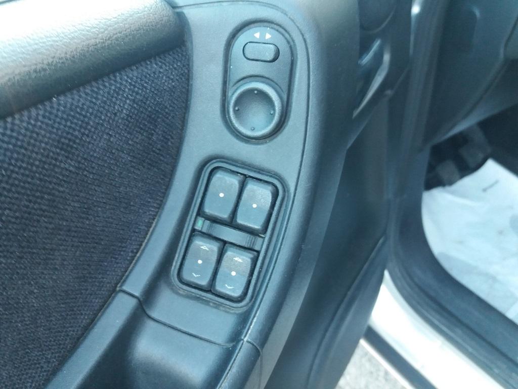 Opel Zafira 1.8 16v cat CDX GPL (22)