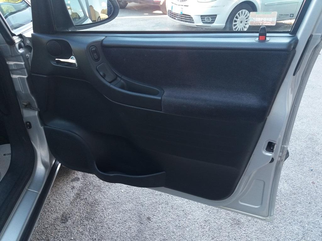 Opel Zafira 1.8 16v cat CDX GPL (30)