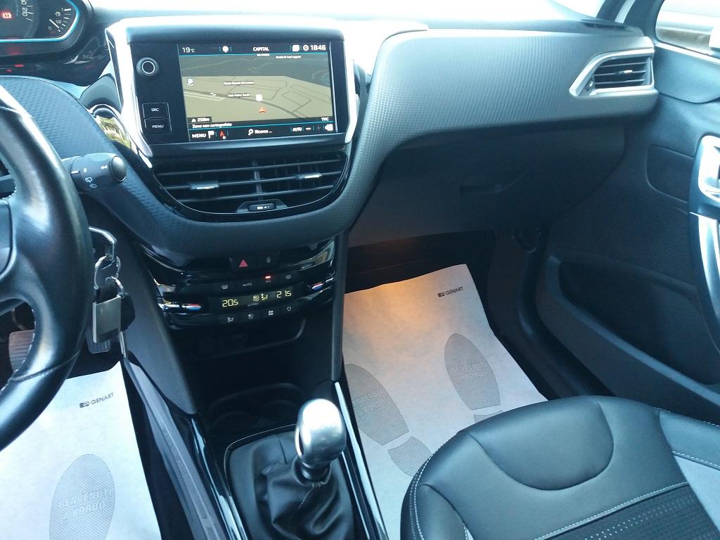 Peugeot 2008 BlueHDi 120 S&S Allure (10)