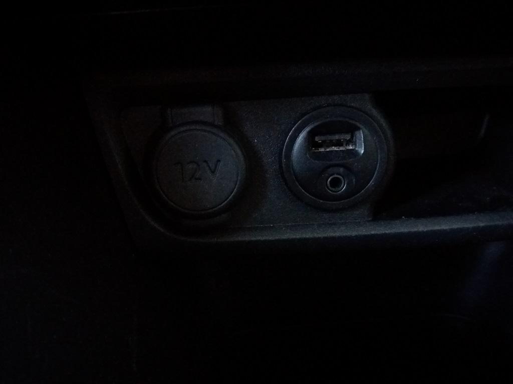 Peugeot 2008 BlueHDi 120 S&S Allure (14)