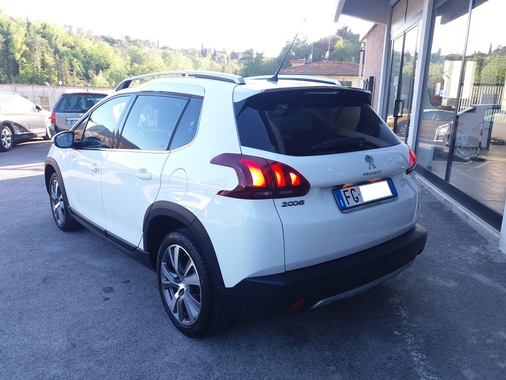 Peugeot 2008 BlueHDi 120 S&S Allure (3)