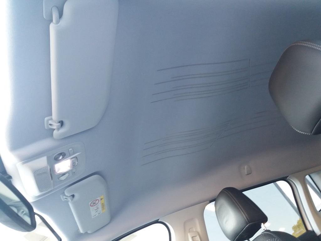 Peugeot 2008 BlueHDi 120 S&S Allure (36)