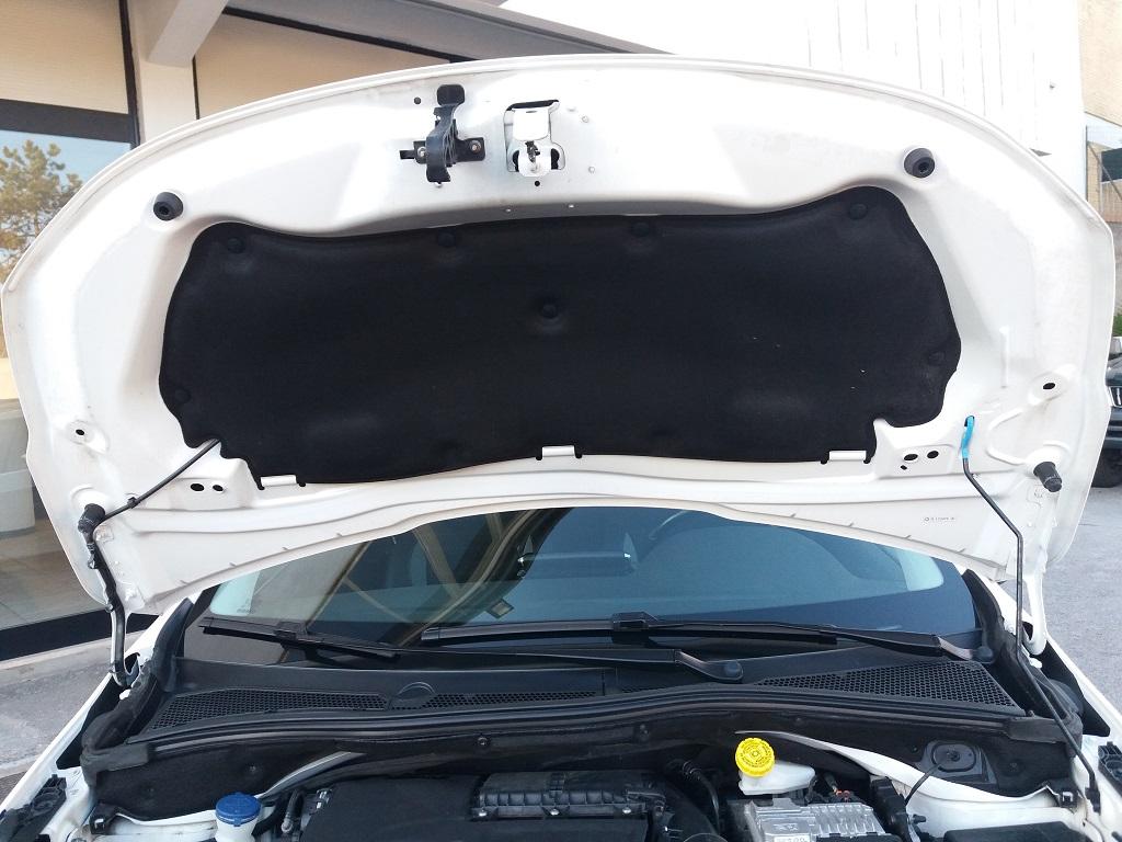 Peugeot 2008 BlueHDi 120 S&S Allure (43)