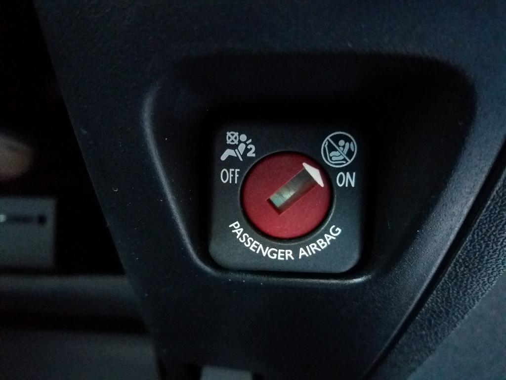 Peugeot 2008 BlueHDi 120 S&S Allure (47)